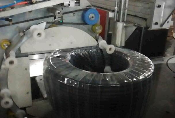 自动收卷缠绕包装机